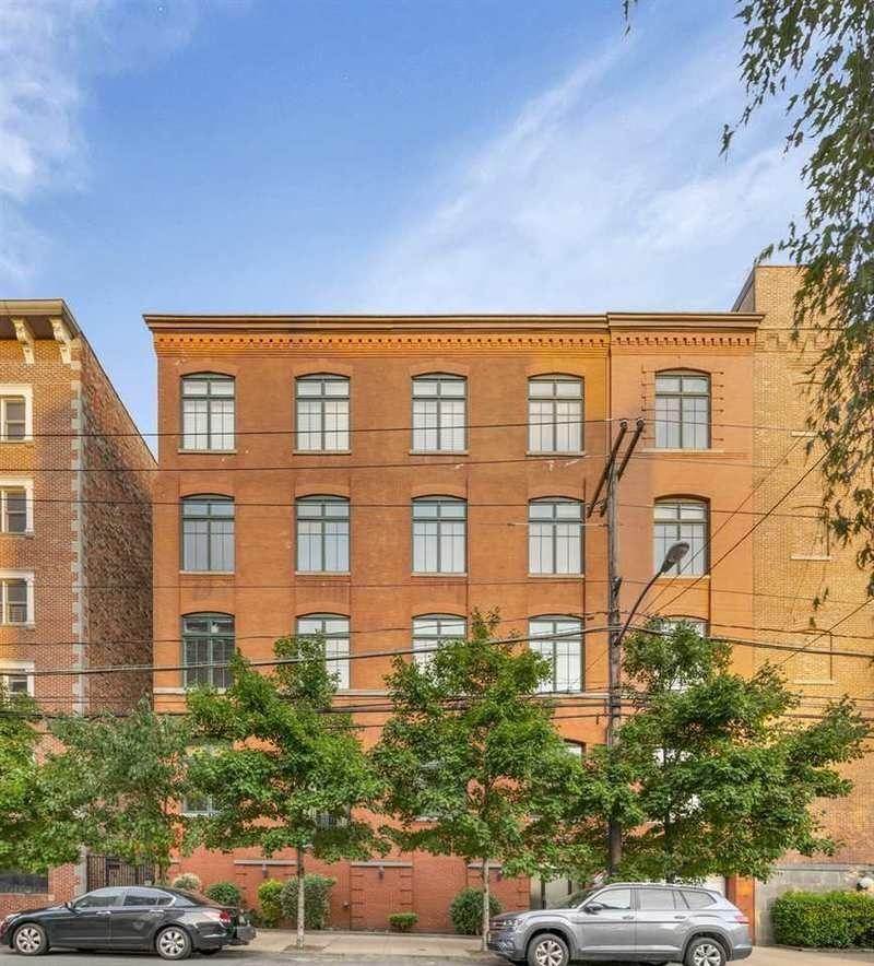 Apartments For Sale Hoboken: 1023 Clinton Street #2B In Hoboken, New Jersey