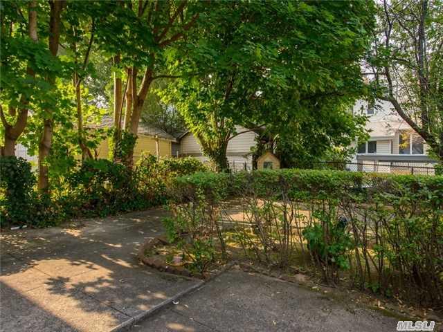 71-02 Manse St. in Forest Hills : Sales, Rentals, Floorplans ...