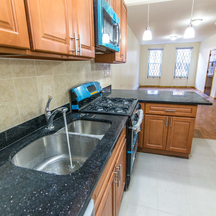 Cook Street Apartments: StreetEasy: 288 Linden Street In Bushwick, #1