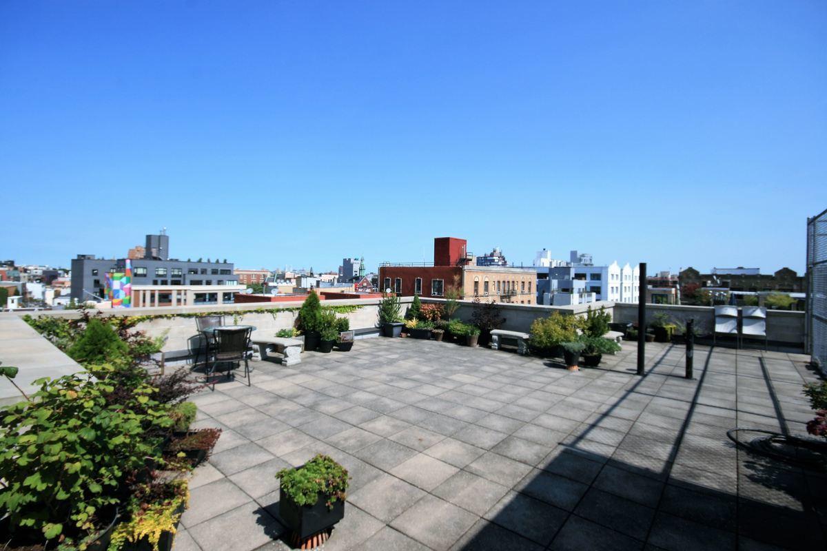 Brooklyn One Bedroom Apartments Streeteasy 14 Hope Street In Williamsburg Phc Sales