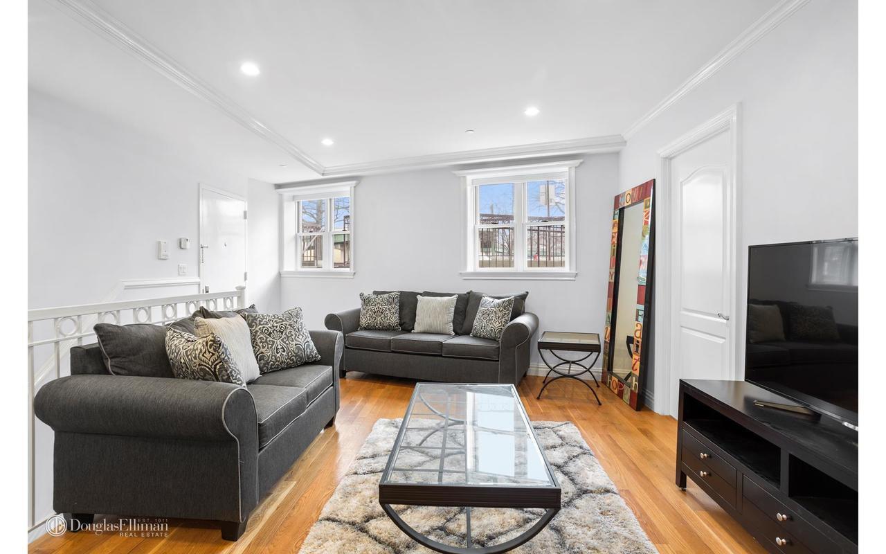 423 Greenwood Avenue #1R in Windsor Terrace, Brooklyn | StreetEasy