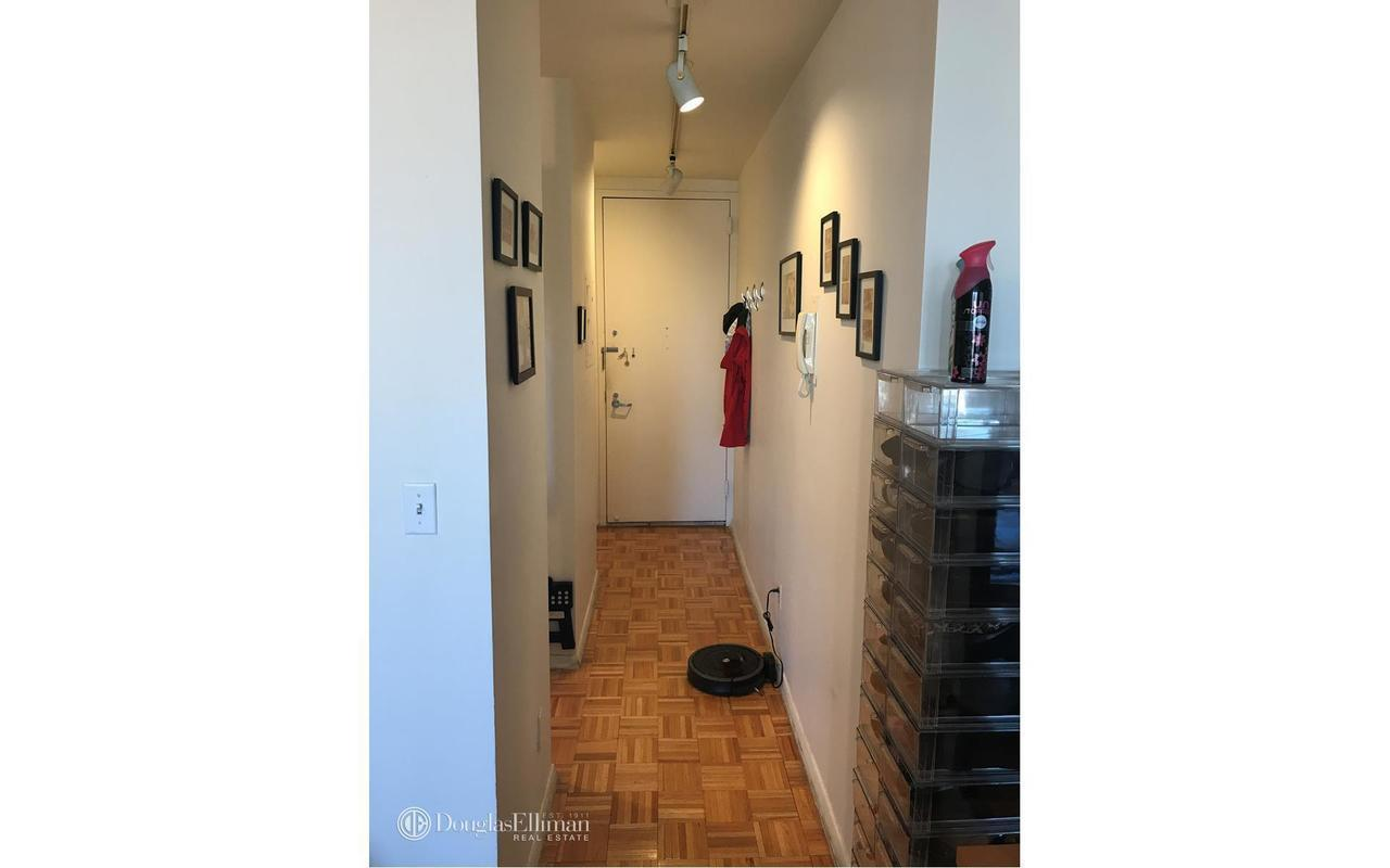 Streeteasy 303 East 60th Street In Lenox Hill 18f