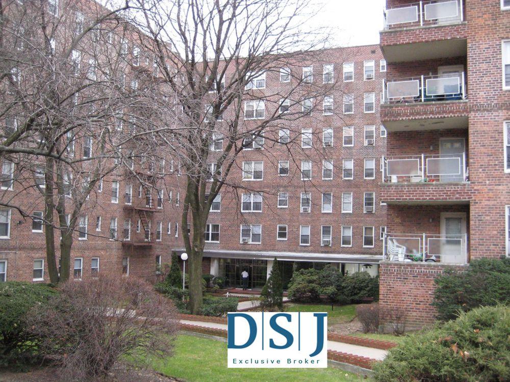 Jamaica Estates Apartments For Rent