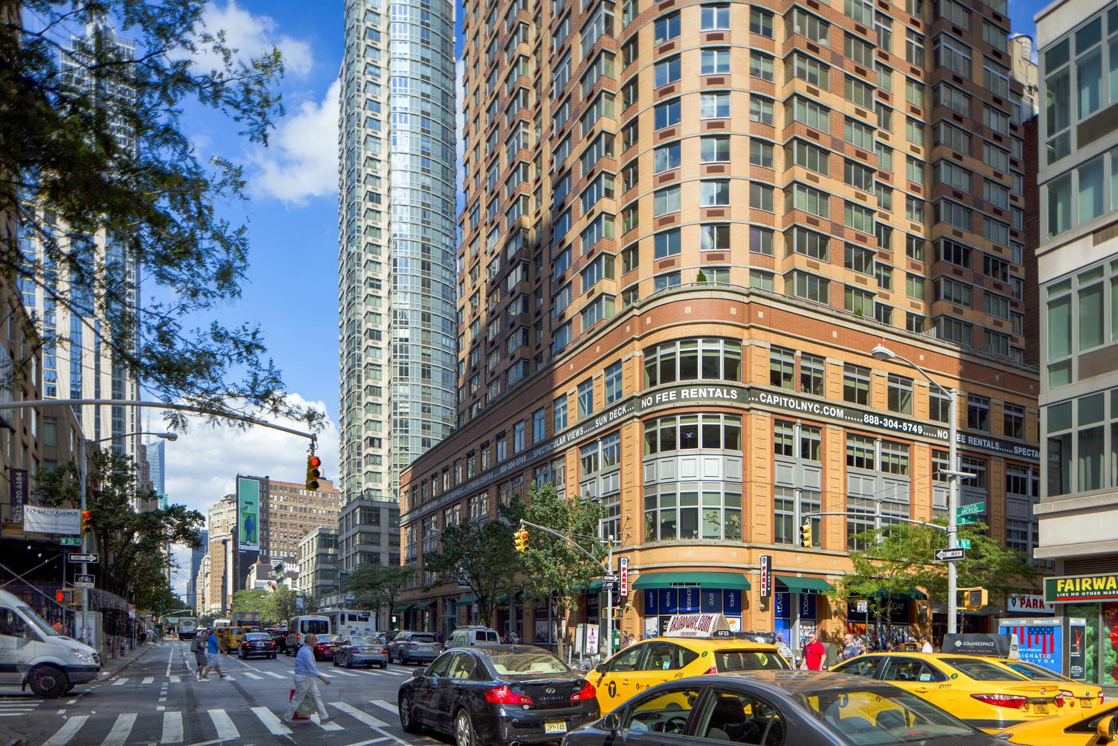 776 Sixth Avenue 32G