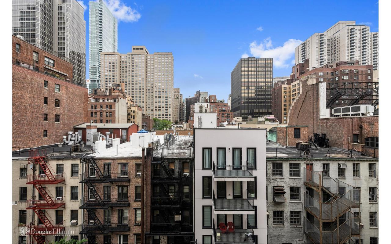 333 East 53rd Street 8a In Sutton Place Manhattan