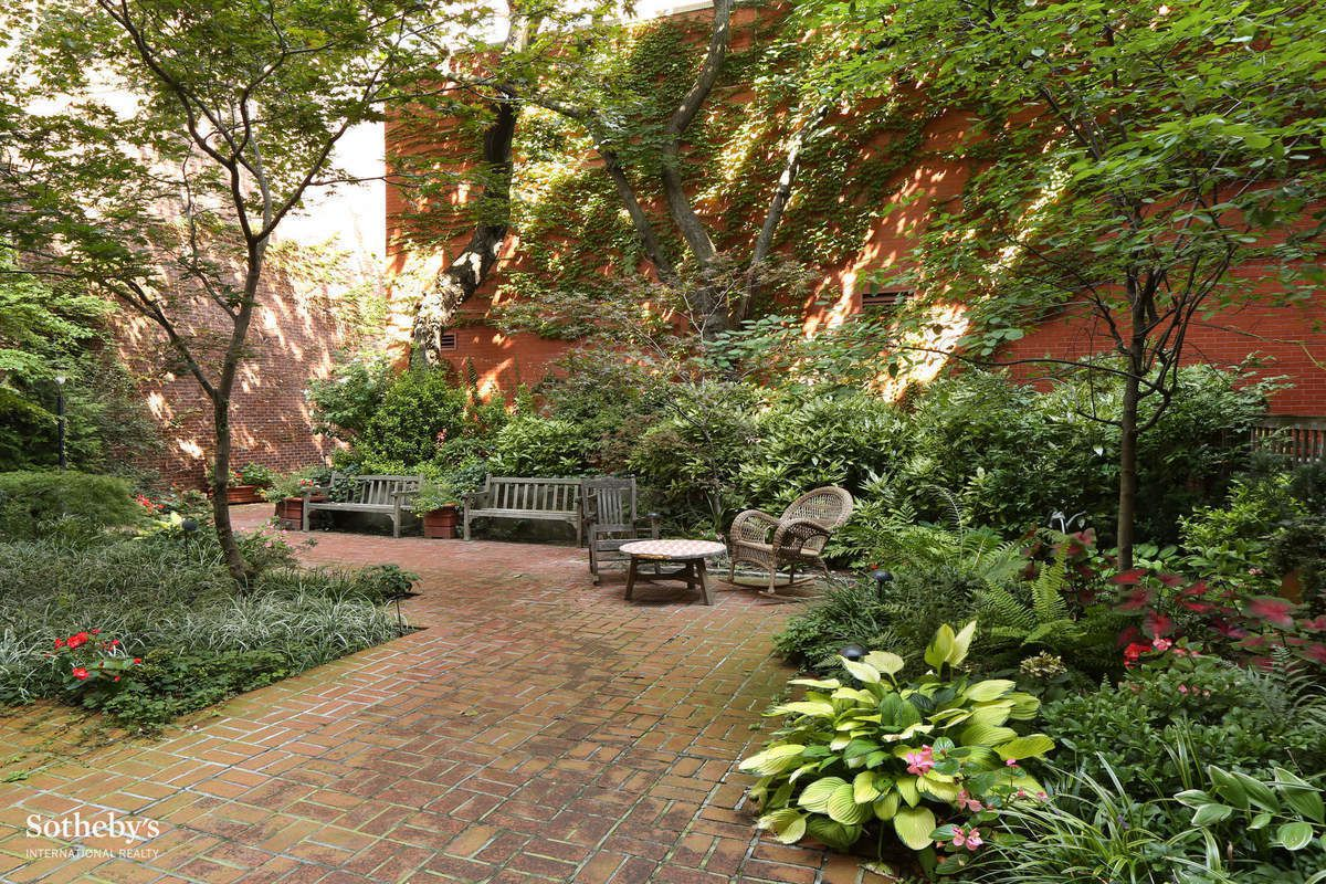StreetEasy: 256 West 10th Street in West Village, #5C - Sales ...