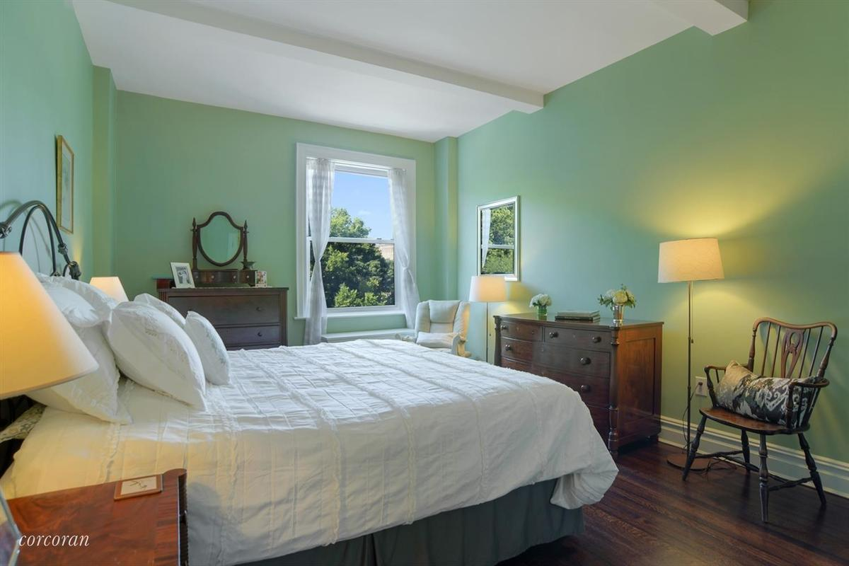 StreetEasy: 41 Eastern Parkway in Prospect Heights, #4A - Sales ...