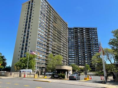 2 Bay Club Drive In Bay Terrace Queens Sales Rentals Floorplans Streeteasy