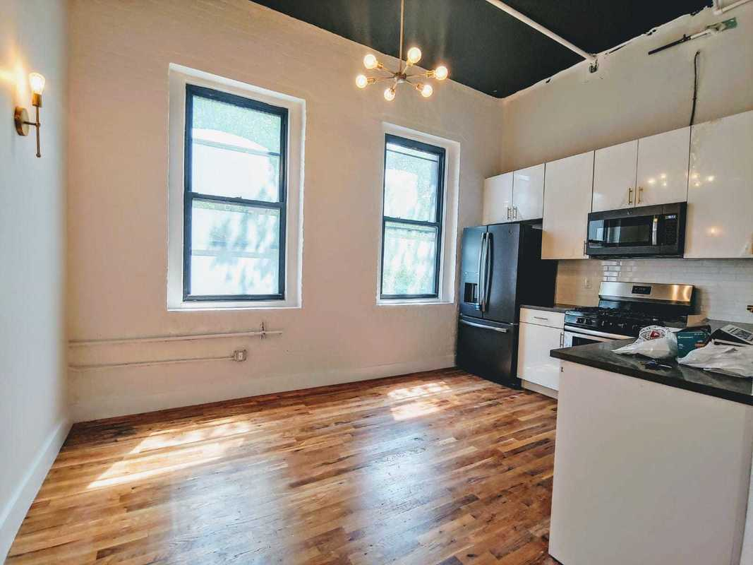 StreetEasy: 112 Lincoln Avenue in Mott Haven, #214 - Sales