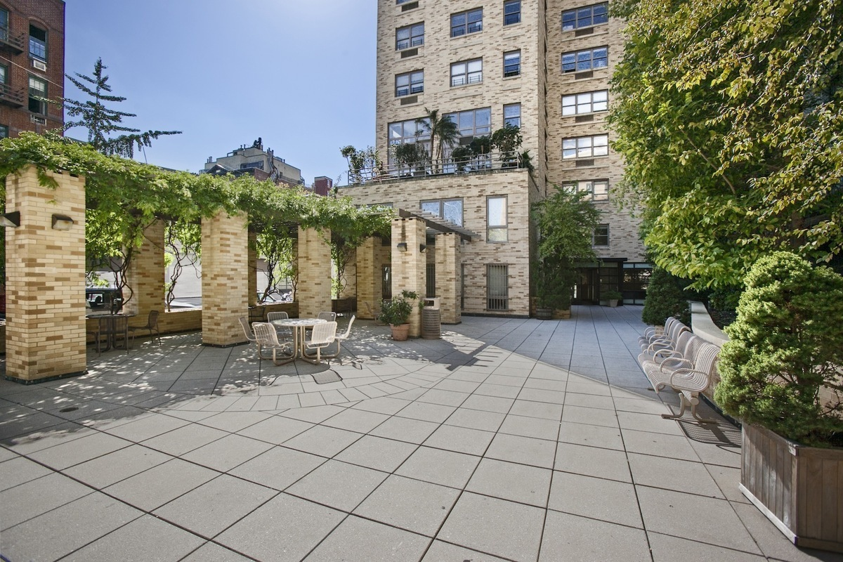 The Highline At 756 Washington St In West Village Sales