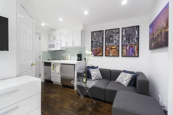 Streeteasy 102 Greenwich Avenue In West Village 14r Sales Rentals Floorplans Streeteasy